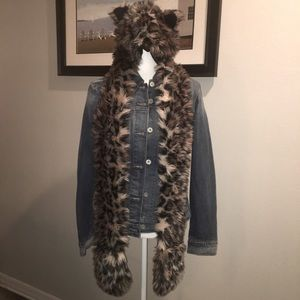 Leopard print hat and scarf w/paw pockets.